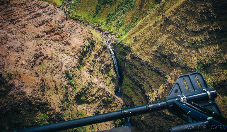 waimea canyon from a helicopter