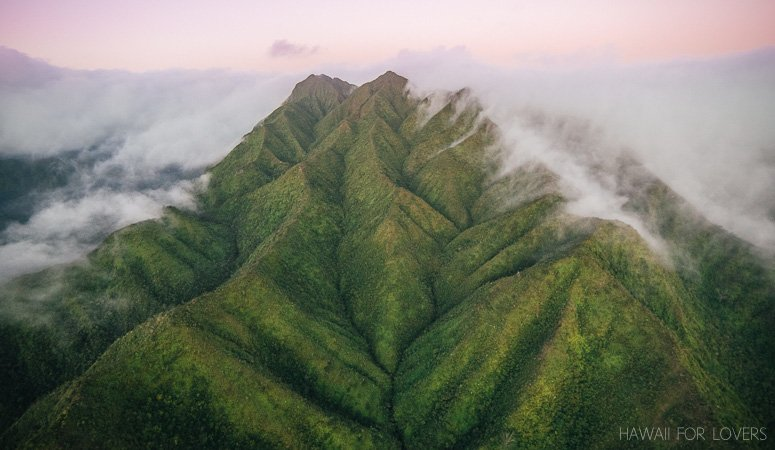 ko'olau mountains from helicopter